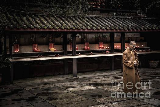 Baoguosi temple by Adrian Baljeu