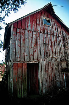 Barn 2 by Kevin Heussner