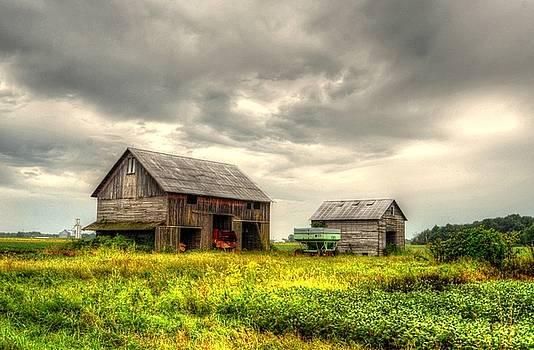 Barn and sky by Jeffrey Platt