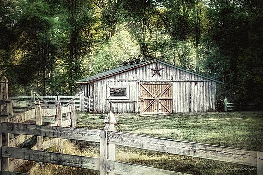 Barnstar, Barn with Star White Fencing by Melissa Bittinger