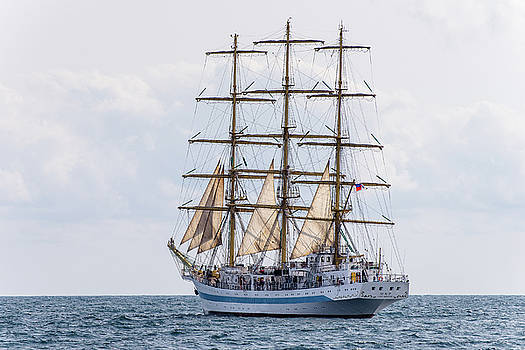 Barque Mir by Dockside Colors