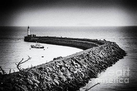 Steve Purnell - Barry Island Breakwater Film Noir