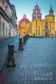 Basilica of Our Lady of Guanajuato by Inge Johnsson