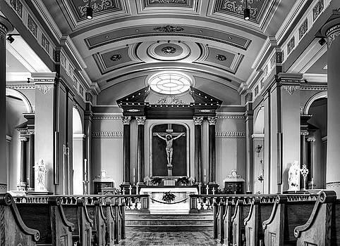 Nikolyn McDonald - Basilica of Saint Louis King - Black and White