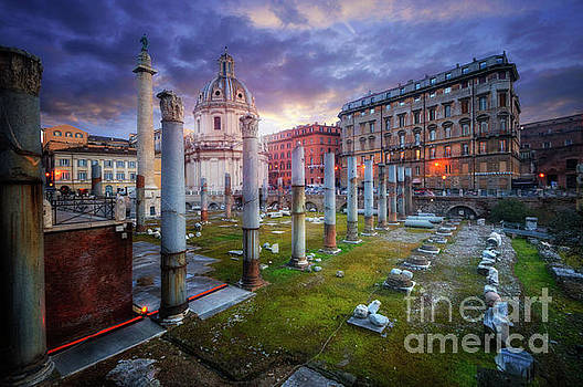 Basilica Ulpia And Trajan's Column by Yhun Suarez
