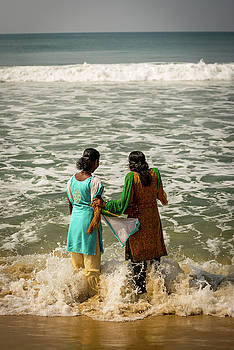 Bathing at Varkala III by Peter OReilly