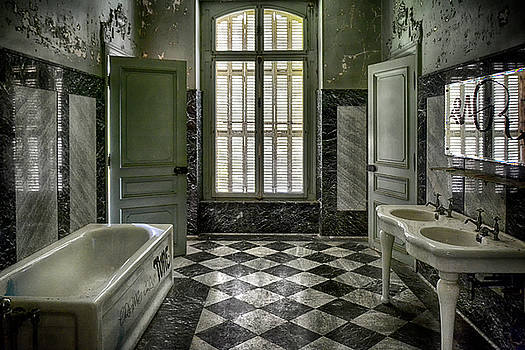Bathroom in the Chateau Lumiere by Joachim G Pinkawa