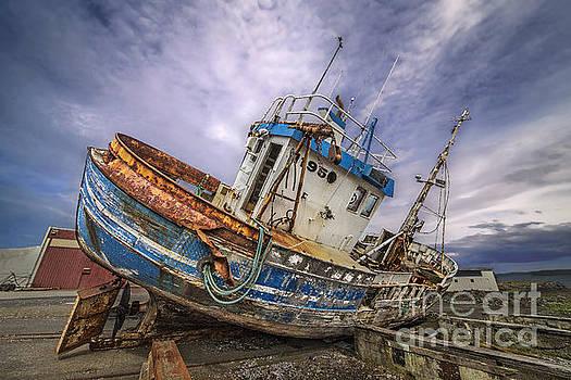 Battered Boat by Roman Kurywczak