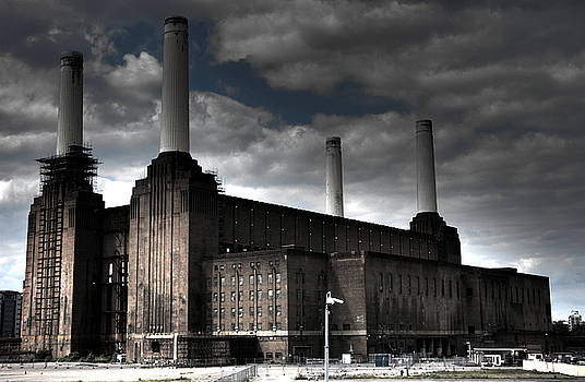 Battersea Power Station by Roddy Atkinson