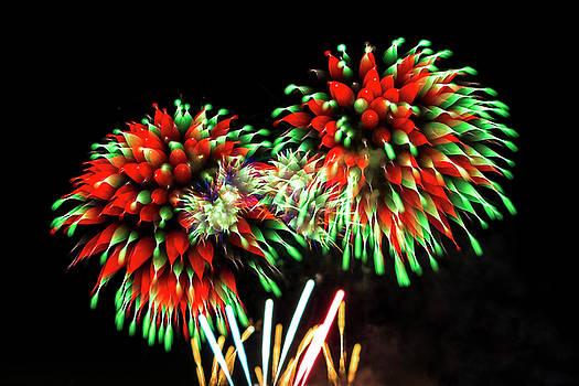 Bay City fireworks 2018 Ia by Tom Clark