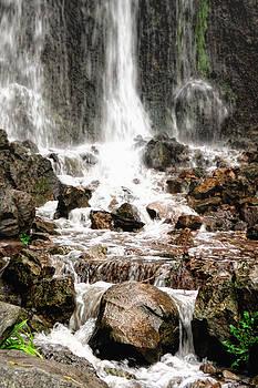 Bayfront Park Waterfall by Lars Lentz