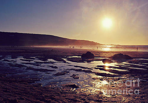 Beach at sunset by Lyn Randle