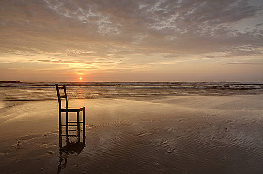 Beach  Chair 1 by David Rigg