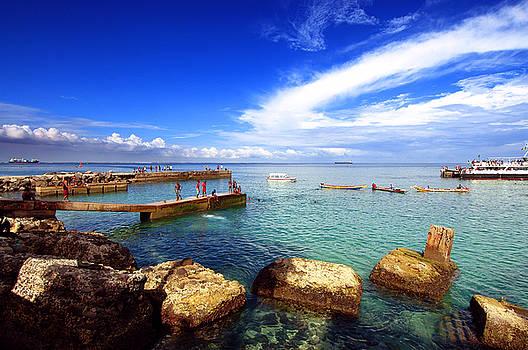 Eduardo Huelin - Beach in Goree Island Dakar Senegal