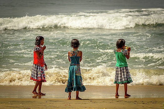 Beach Play by Peter OReilly