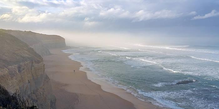Beach Romance by Ray Warren