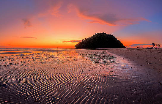 Beach sunset in Kudat, Malaysia by Pradeep Raja PRINTS