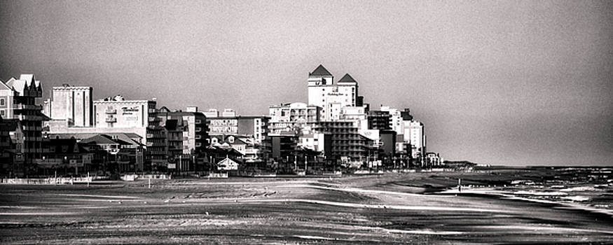 Bill Swartwout Fine Art Photography - Beach Vacancy in Ocean City in Black And White