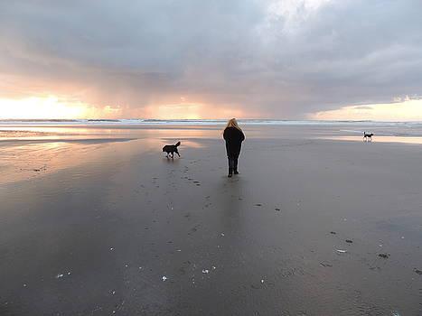 Beach Walk by Regina Arnold