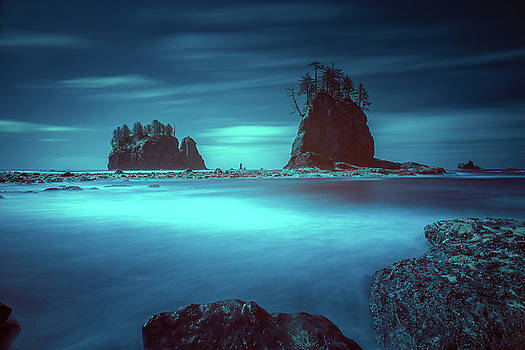 Beach with sea stacks in moody lighting by William Freebilly photography