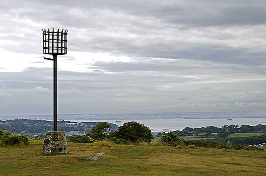 Beacon on Culver Down by Rod Johnson