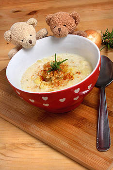Bear's Favorite Potatoe Soup by Elke Rampfl-Platte