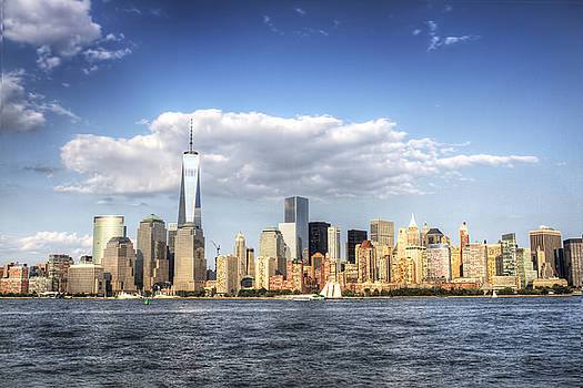 Beautiful Big Apple by Zev Steinhardt