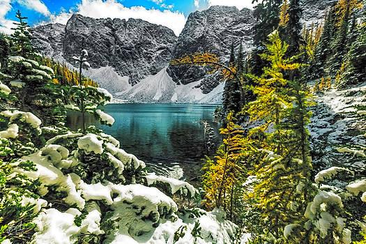 Beautiful Blue Lake by Thomas Ashcraft