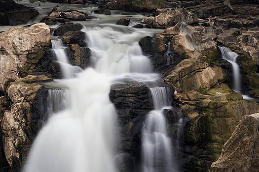 Mahesh Balasubramanian - Beautiful Falls
