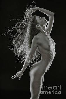 Beautiful figure shape. by Andy Bradley