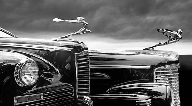 Larry Butterworth - BEAUTIFUL LADY HOOD ORNAMENTS