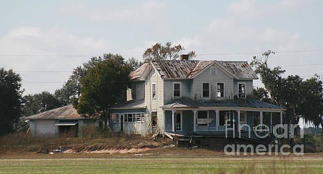 Beautiful old farmhouse by Lynn Jackson
