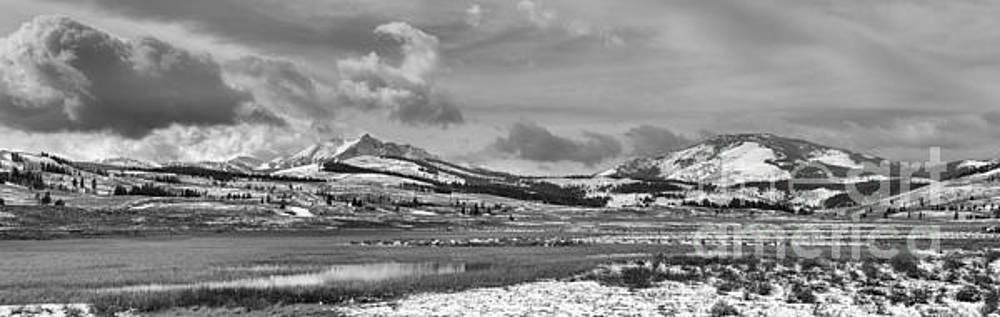Adam Jewell - Beautiful Skies Over Swan Lake Flats Black And White