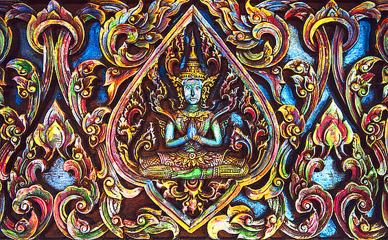 Eduardo Huelin - Beautiful Thai Buddhist carved wood