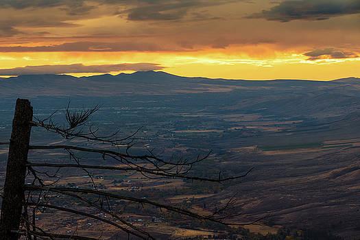 Beautiful Yakima Dawn by Ron Day