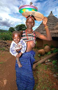 Eduardo Huelin - Bedic woman with her baby Senegal