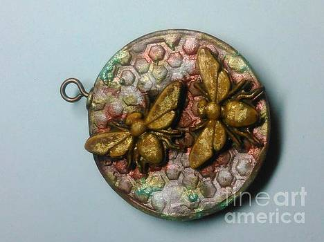 Bee Pendant side a by M Brandl