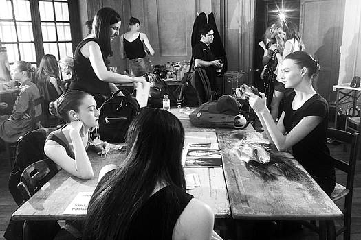 Behind the scene of a fashion show by Virginie Blanquart