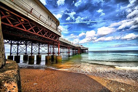 Beneath the Pier by Andy Griffiths
