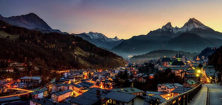 Berchtesgaden Lights by Pixabay