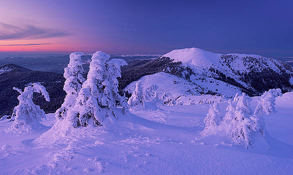 Berlebashka mount in twilight. Carpathians by Sergey Ryzhkov