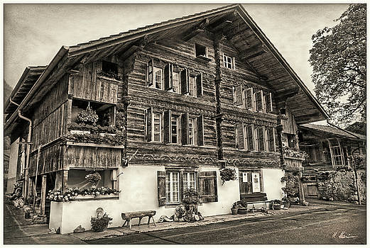 Bernese wooden House vintage by Hanny Heim