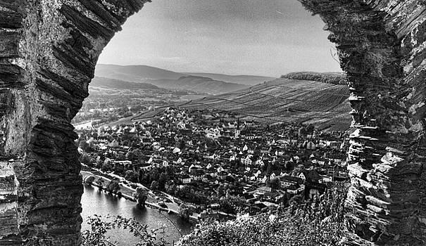 Bernkastel-Kue on the Mosel River by Stephen Schwiesow