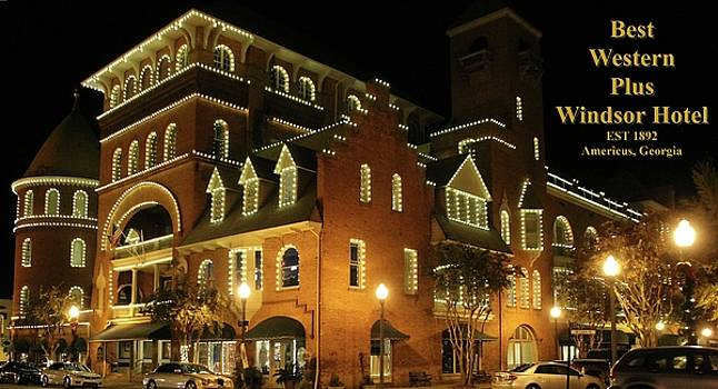 Best Western Plus Windsor Hotel - Christmas -2 by Jerry Battle