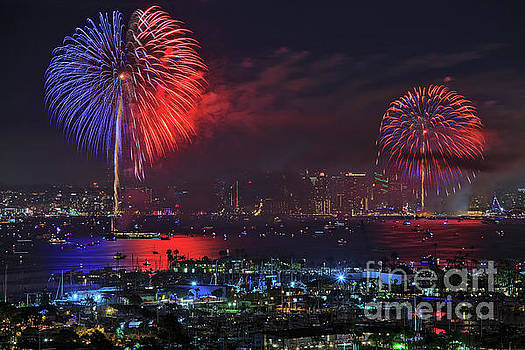 Big Bay Boom Fourth of July Fireworks Show by Sam Antonio Photography