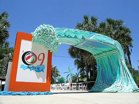 Big Wave Entrance by John Gruber