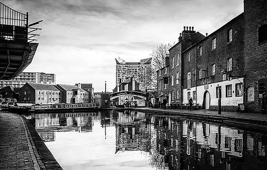 Birmingham Canal by Nick Bywater