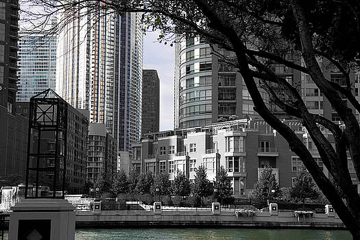TNT Images - Black and White and Color Chicago Courtyard - 200420