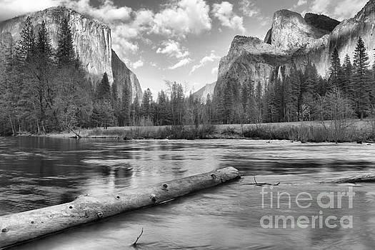 Adam Jewell - Black And White Yosemite Valley