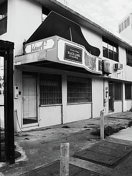 Black Label Lounge by Anna Villarreal Garbis